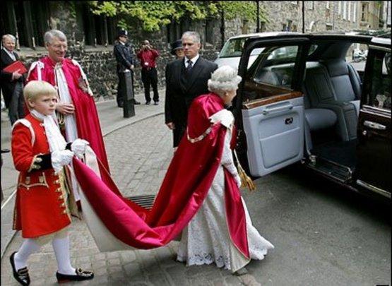 монархия дешевеет
