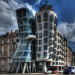 Незвичайний Танцюючий будинок у Празі — Відпочивай з нами !